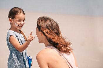 Consejos prácticos para proteger a los niños del sol