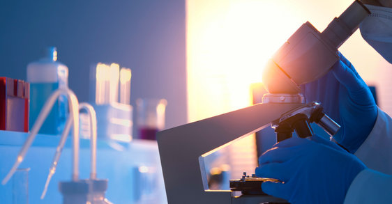 Tecnología de alta tolerancia para cuero cabelludo sensible: Dercos Ultra Calmante