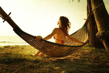 5 Mitos al momento de tomar sol